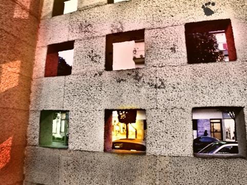 sei tagli del muro che mostrano una visione di colori differente